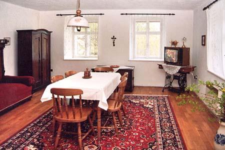 Chaty a chalupy k pronajmutí - Chalupa v Pluhově Žďáru - obývací pokoj